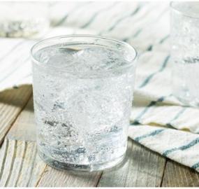 beneficios del agua con gas